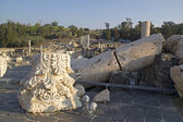 Ancient pillars of ruined roman temple in Beit Shean — Stock Photo