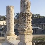 Ancient pillars of ruined roman temple in Beit Shean (Scythopoli — Stock Photo #5319917