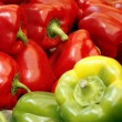 Green and red pepper on the market — Stock Photo