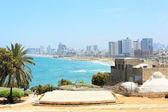 Sea coast and the view of Tel Aviv — Stock Photo