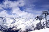 スキー リゾートのスキーリフト. — ストック写真