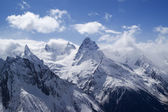 Mountains. Caucasus. Dombai. — 图库照片