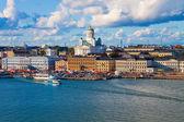 Zomer panorama van helsinki, finland — Stockfoto