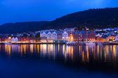 Tarde panorama de bergen, noruega — Foto de Stock