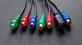 Câbles composantes rvb sur fond noir — Photo