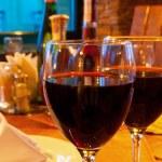 Wine goblets on restaurant table — Stock Photo