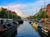 Kanał w Kopenhadze, dania — Zdjęcie stockowe