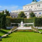 Monument for Empress Elisabeth in Vienna, Austria — Stock Photo