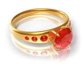 Anillo de oro con rojos joyas — Foto de Stock
