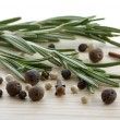Rosemary, peppercorn and cloves — Stok Fotoğraf #4943718