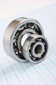 Two bearings — Stockfoto