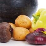 garnek żeliwny z warzywami — Zdjęcie stockowe