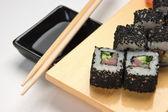 Traditionelle asiatische essen sushi — Stockfoto