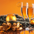 Glasses of wine and Christmas decoration — Foto de stock #4726547