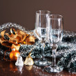 Glasses of wine and Christmas decoration — ストック写真