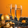 Glasses of wine and Christmas decoration — Stok fotoğraf