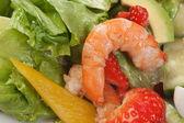 Crevettes aux légumes — Photo