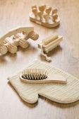 Insieme di oggetti in legno con bast — Foto Stock