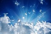 Sunbeam in the cloud — Stockfoto