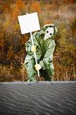 科学家在气体面具和海报 — 图库照片