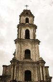 Torre campanaria chiesa, abbandonata nel centro storico di vilnius — Foto Stock