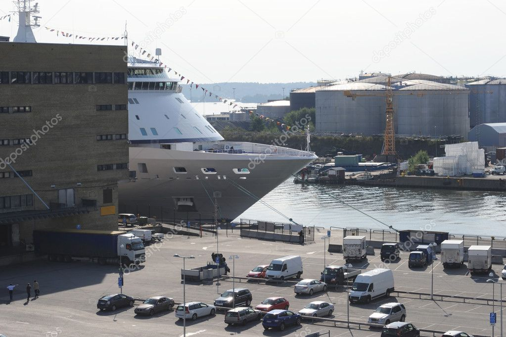Commercial port in the sunshine day in Stockholm, Sweden — Stock Photo #4235537