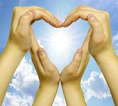 Ręce serce — Zdjęcie stockowe