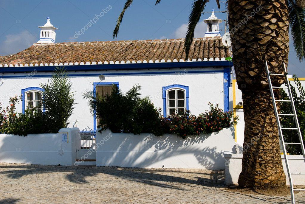 La maison typique d 39 algarve portugal photo 4264127 for Maison typique