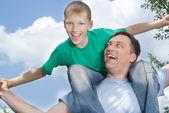 Padre con su hijo — Foto de Stock