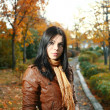 Cute girl outdoor autumn — Stockfoto