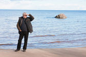 Middle-aged man at the sea. — Stock Photo
