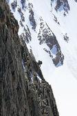 Tırmanıcı bir güzergah üzerinde — Stok fotoğraf