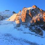východ slunce ve vysokých horách — Stock fotografie