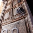 Classic Israel - Ancient door of the church of the Holy Sepulche — Stock Photo