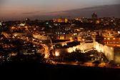 Notte a gerusalemme nella città vecchia, il monte del tempio con la moschea al-aqsa, v — Foto Stock