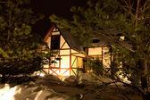 冬の季節の家 — ストック写真