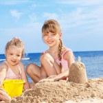 Children playing on beach. — Stock Photo #5187622