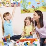 孩子在幼儿园绘画 — 图库照片