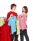 Grupa w sklep odzieżowy. — Zdjęcie stockowe