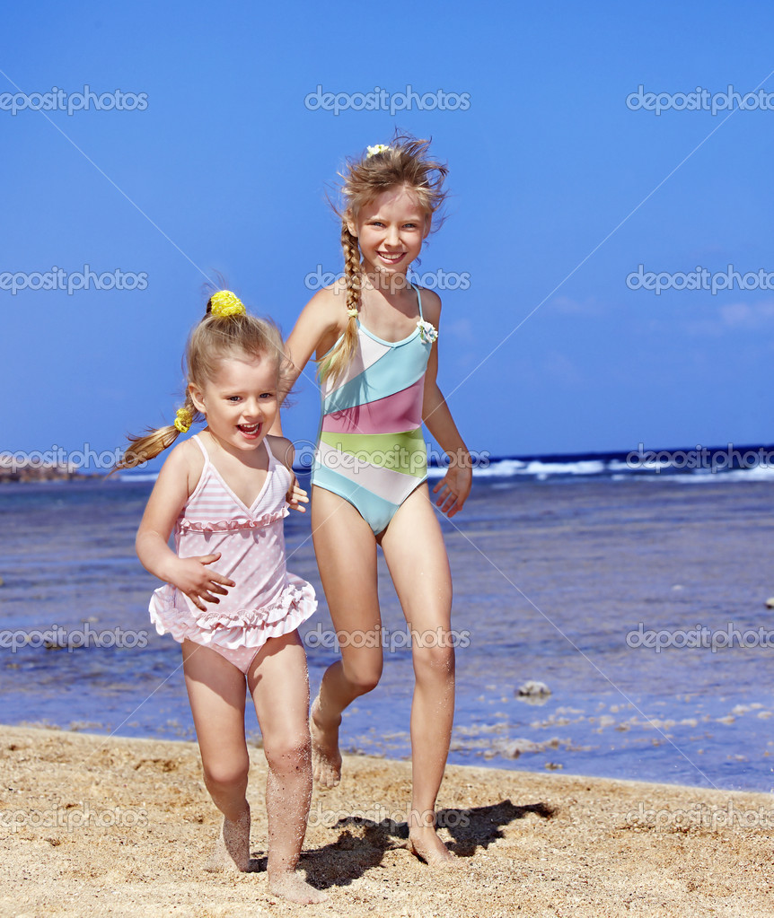 Фото девочек голышек 1 фотография