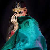 Oriental dancer woman — Stock Photo