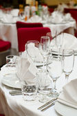 Wedding white table appointments ready for guests — Stock Photo