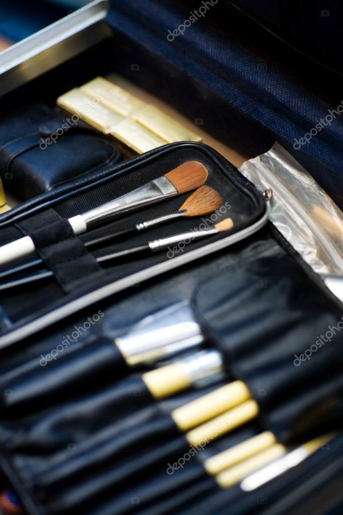 Make up brushes set in proessional case macro shot — Stock Photo #4430703