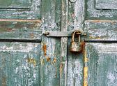 Alte Sperre für eine Tür — Stockfoto