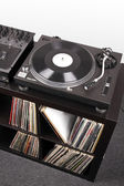 Gramofon i dj mikser na stół czarny — Zdjęcie stockowe