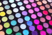 Professionele meerkleurige eyeshadows palet — Stockfoto