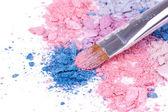 Pincel de maquiagem profissional em sombras esmagadas — Foto Stock
