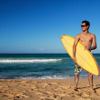 Man with surf board — Stock Photo