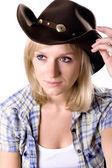 Femme assez occidentale dans le chapeau de cowboy — Photo