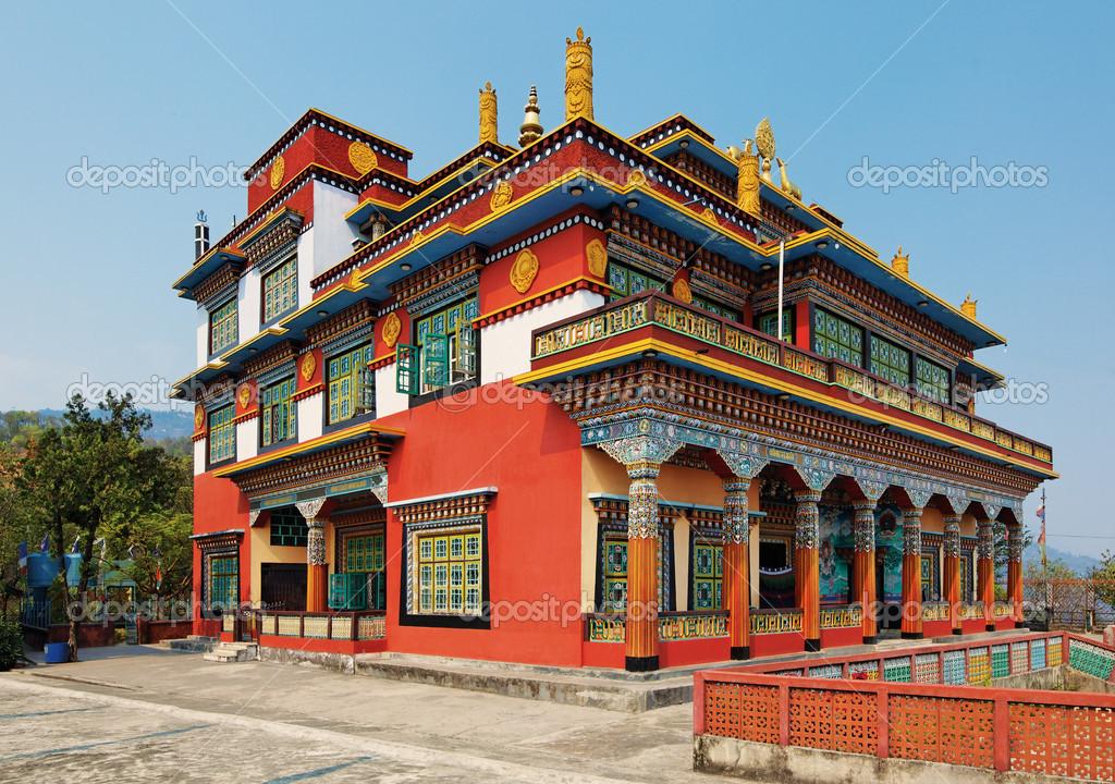 Ancient buddhistic temple architecture, Pokhara, Nepal — Stock Photo #4349014